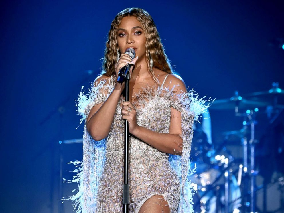 PHOTO: Beyonce performs onstage during the City of Hope Spirit of Life Gala 2018 at Barker Hangar, Oct. 11, 2018, in Santa Monica, Calif.