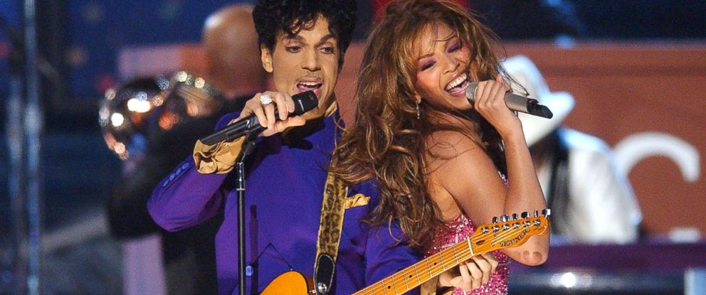PHOTO: Prince and Beyonce perform a medley of his hits during the 46th Annual GRAMMY Awards in Los Angeles, Feb. 8, 2004.