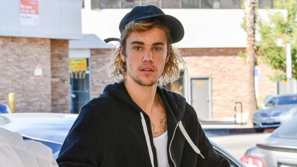 Justin Bieber asks fans to 'pray for me,' reveals he has been 'struggling a lot'