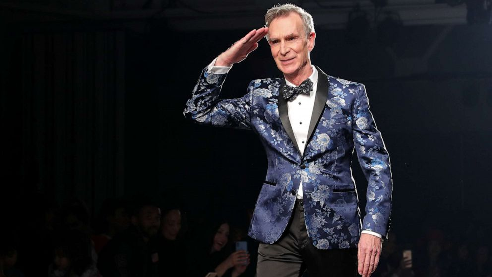 Bill Nye, 'the Science Guy,' dances down the runway to Lizzo at New York Fashion Week