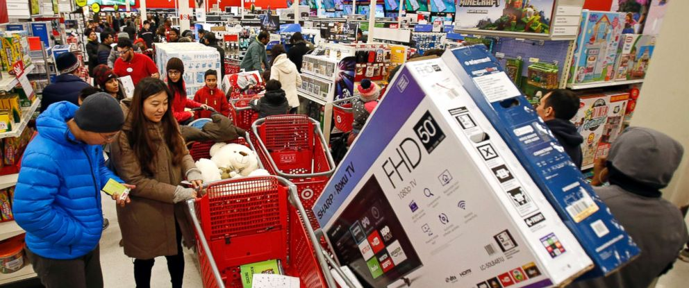 PHOTO: Bargain hunters shop at as it offers its lowest prices of the season on items like TVs and electronics as on, Nov. 23, 2017, in Jersey City, N.J.