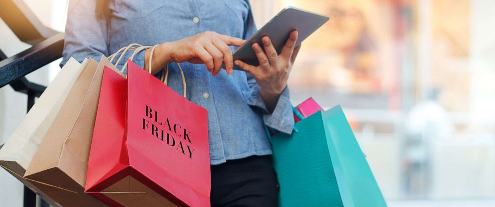PHOTO: A woman is pictured holding shopping bags at the mall in this undated stock photo.