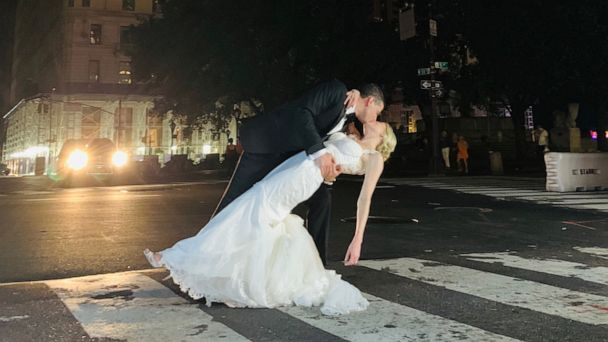 This couple didn't let a New York City power outage stop their wedding