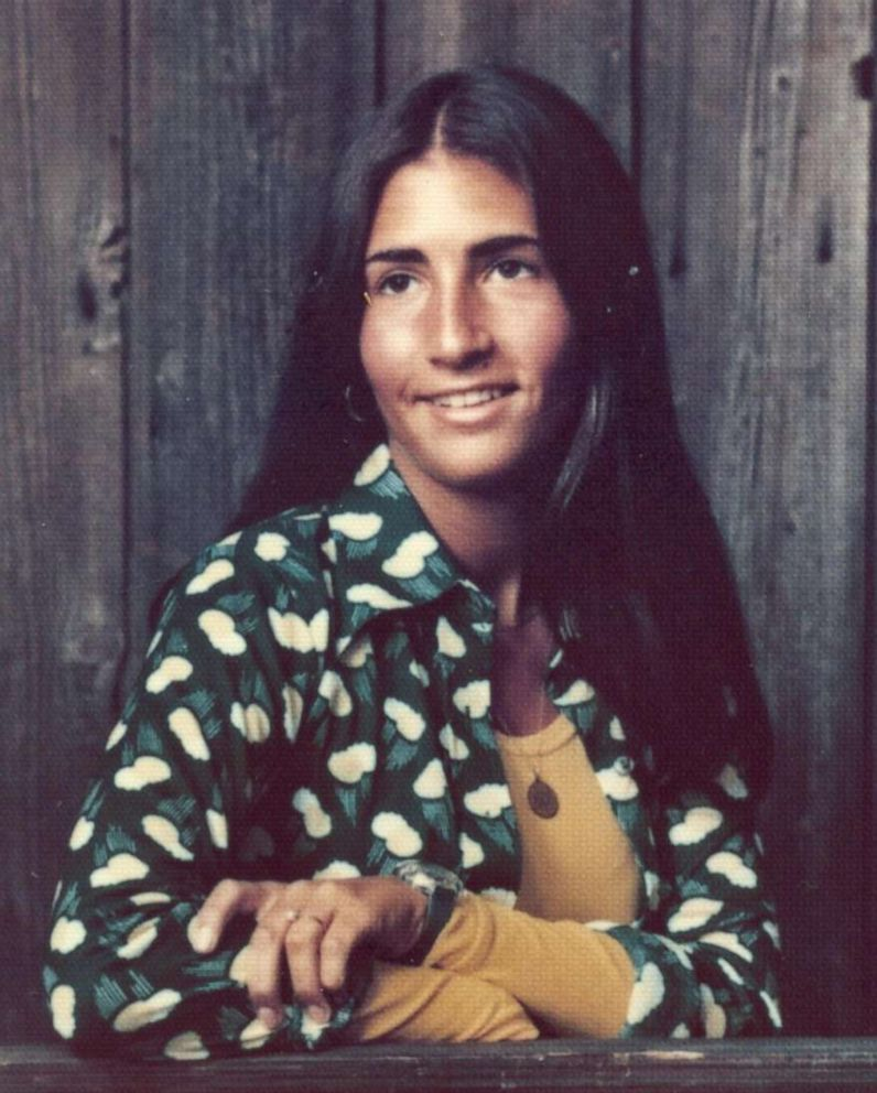 PHOTO: Bobbi Brown poses for her high school senior photo in 1974.