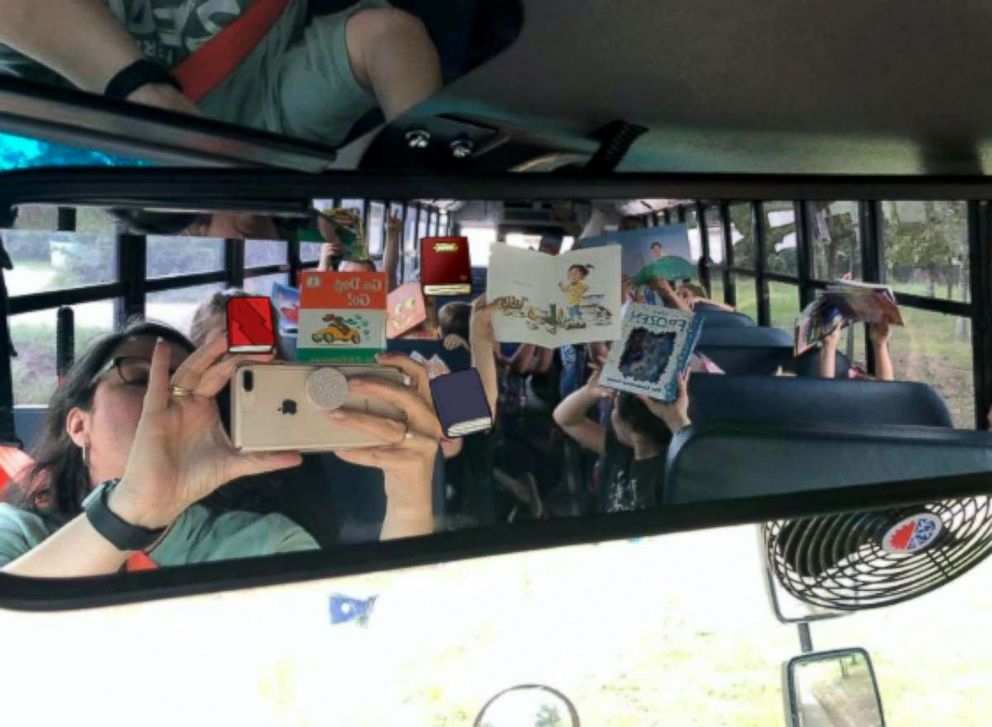 PHOTO: A bus book buddies program at an Arkansas school district is popular with the kids.