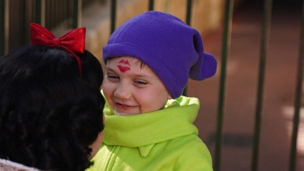 Boy has the sweetest interactions with princesses at Walt Disney World