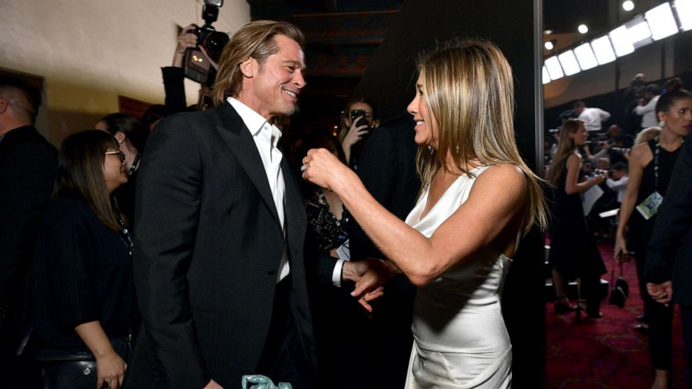 Brad Pitt, Jennifer Aniston reunite at 2020 SAG Awards - ABC News