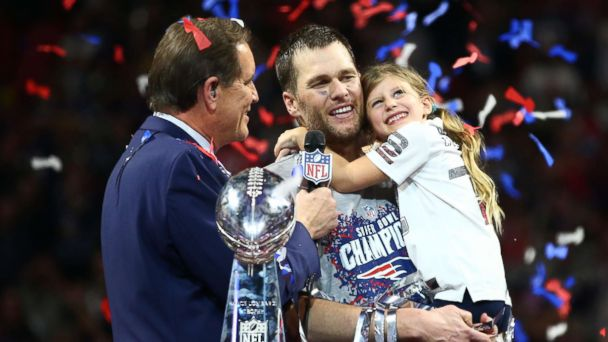 Tom Brady describes wife Gisele Bundchen's 'emotional