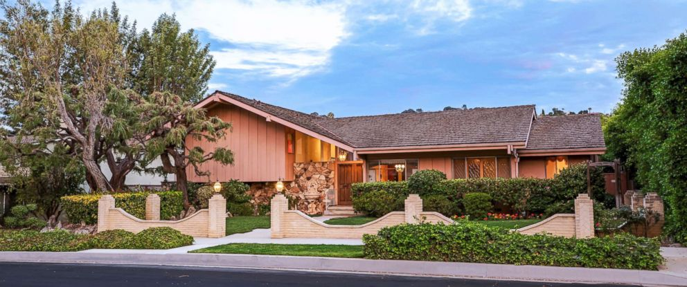 "PHOTO: The home featured in the opening and closing scenes of ""The Brady Bunch"" in Los Angeles."