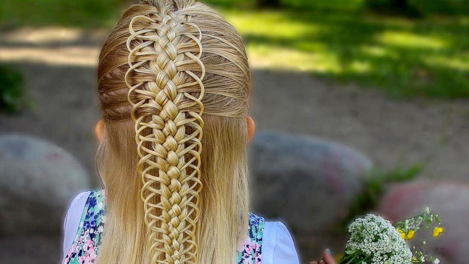 This Mom Goes Above And Beyond To Braid Her Daughters Hair Gma