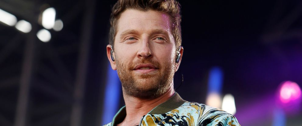 "PHOTO: Brett Eldredge performs on ""Jimmy Kimmel Live!"" on Aug. 8, 2018."
