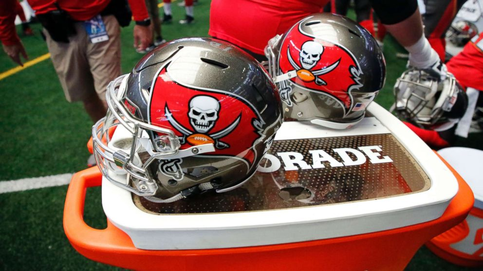 Tampa Bay Buccaneers become 1st team in NFL history with 2 female coaches on staff