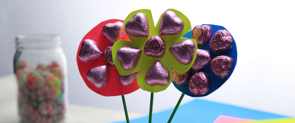 PHOTO: Make a DIY candy bouquet for your sweetheart on Valentines Day!