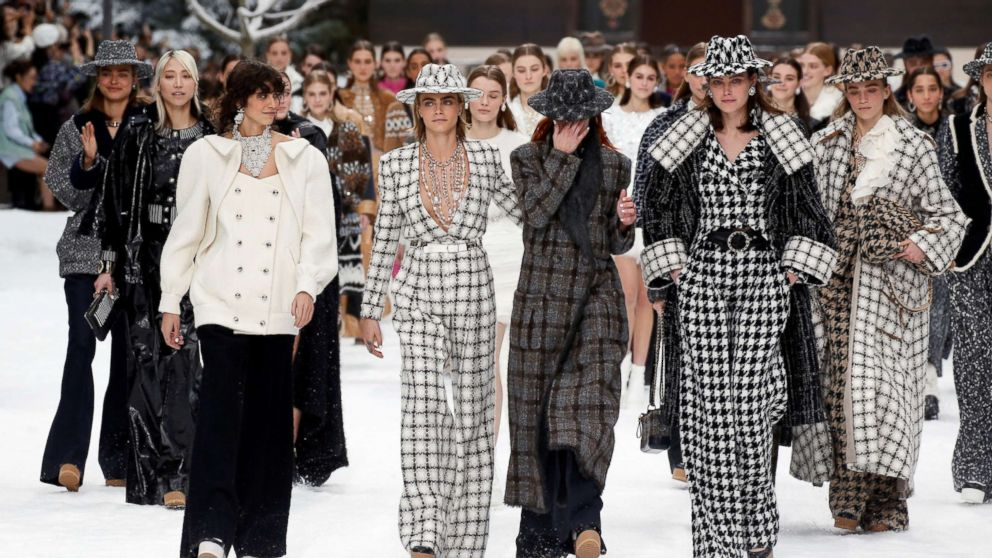 8fb5e2a1244 Cara Delevingne, Penelope Cruz and more honor Karl Lagerfeld's final  collection with Chanel