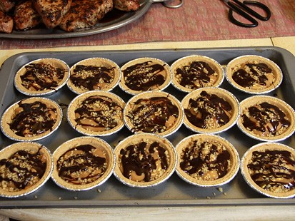 Pic Image from GMA Test Kitchen: Easy Mini Caramel Pies