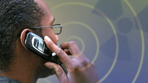 Photo: Cellphone radiation levels vary widely, watchdog report says