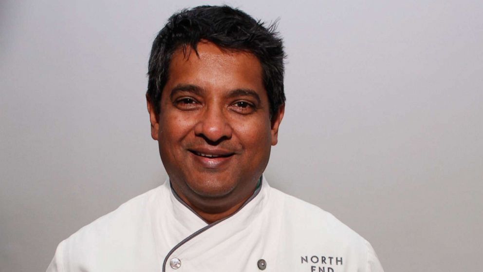Chef Floyd Cardoz, who contracted COVID-19, dies at age 59