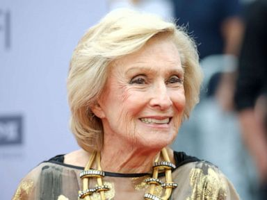 Cloris Leachman, Oscar winner and star of 'Mary Tyler Moore Show,' dies at 94