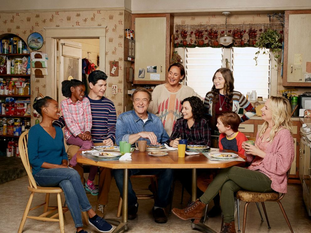 PHOTO: The cast of the show The Conners.