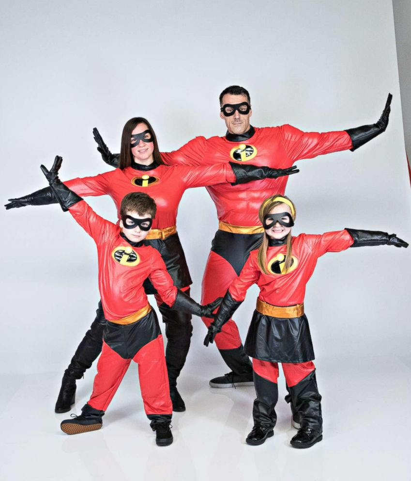 photo a family wears the incredibles halloween costumes