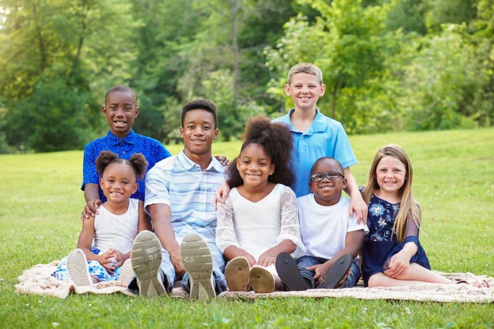 PHOTO: Gabrielle Fessenden and Shannon Fessenden adopted Jordan, 15, Jay, 10, Myah, 9, Jericho, 5, Briella 4 and Mason, 2. The brothers and sisters join the Fessendens biological children, Scott, 11 and Giana, 8.