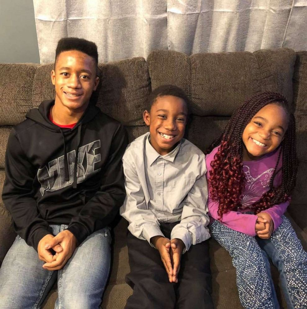 PHOTO: Siblings Jordan, 15, Jay, 10 and Myah Fessenden, 9, sit together in a photo taken November 2018.