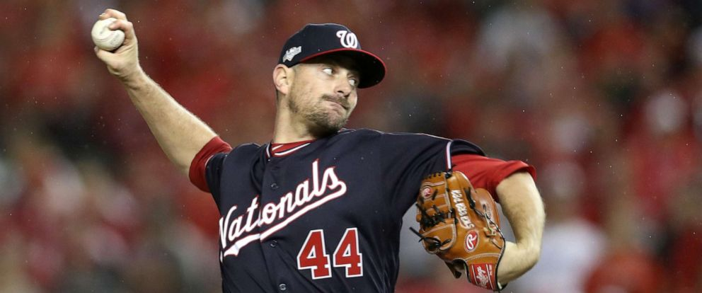 PHOTO:Daniel Hudson #44 of the Washington Nationals delivers in the ninth inning of game four of the National League Division Series against the Los Angeles Dodgers at Nationals Park on Oct. 7, 2019 in Washington, D.C.