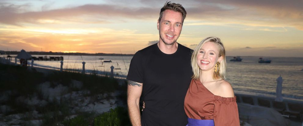 PHOTO: Dax Shepard and Kristen Bell pose as she vacations with her family on Jan. 30, 2018, in Providenciales, Turks & Caicos.