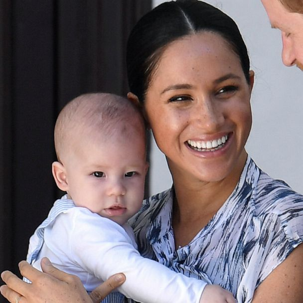 twinning royal baby archie looks just like his dad prince harry gma twinning royal baby archie looks just