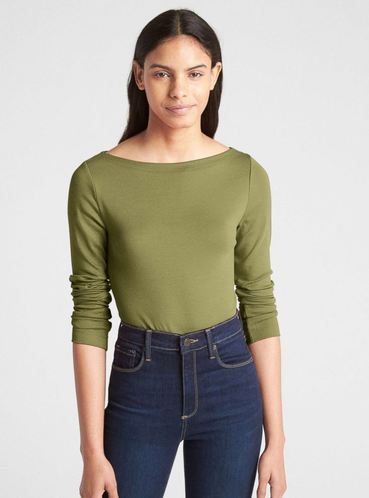 5435f4e7b0 Duchess Meghan is bringing the boatneck back  How you can pull off ...