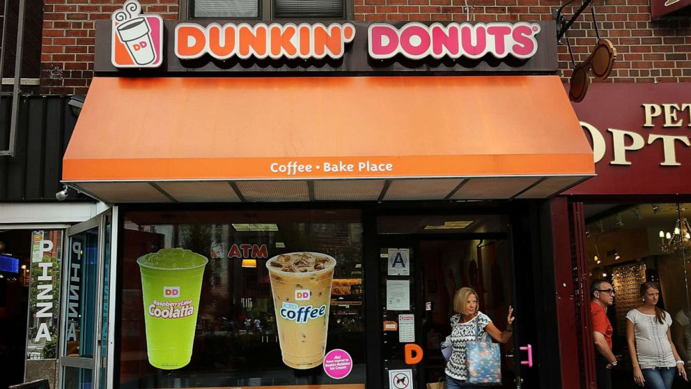 Dunkin' will close hundreds of convenience store locations by end of 2020 thumbnail