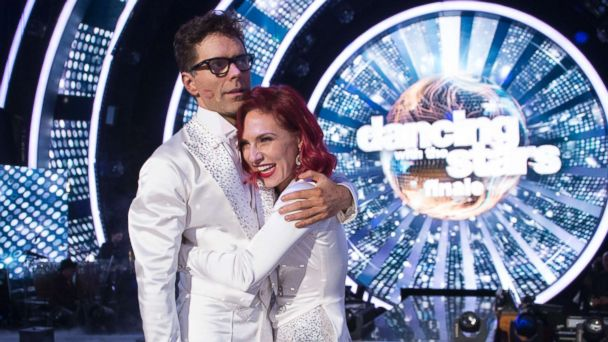 'Dancing With the Stars' season 27 champ Bobby Bones on his win: 'We did it one day at a time'