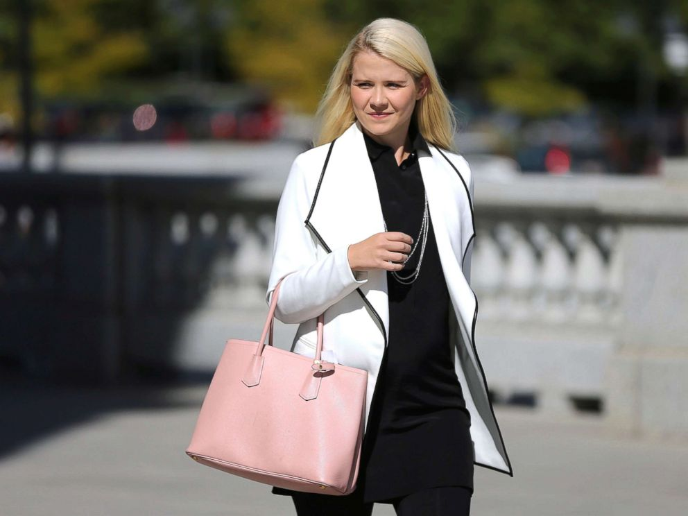 PHOTO: Elizabeth Smart walks to her press conference at the Utah State Capitol in Salt Lake City, Sept. 13, 2018.