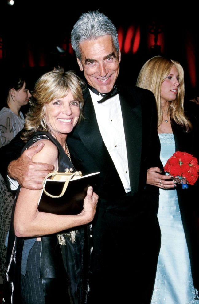 PHOTO: Katharine Ross and Sam Elliott during the 72nd Annual Academy Awards in Los Angeles, March 26, 2000.