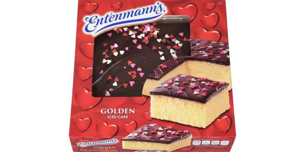 PHOTO: Entenmanns Valentines Day iced golden fudge cake.