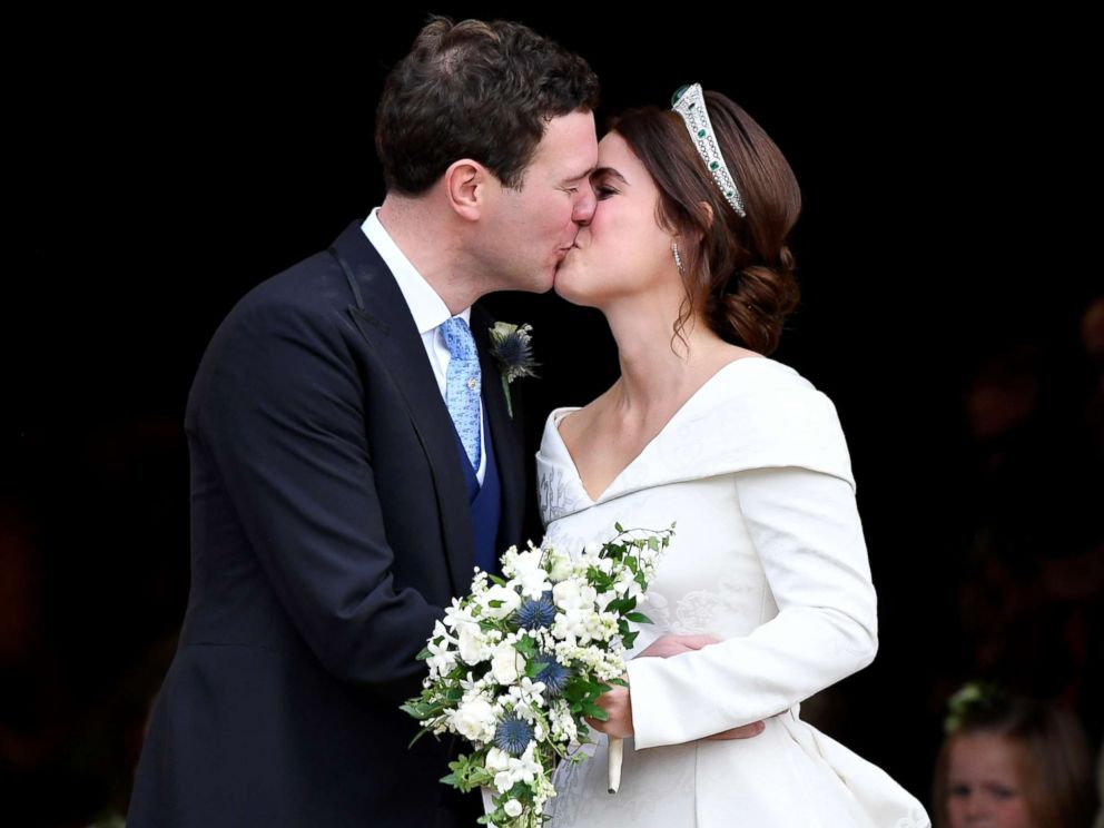PHOTO: Princess Eugenie and Jack Brooksbank kiss after their wedding at St Georges Chapel in Windsor Castle, in Britain, Oct. 12, 2018.