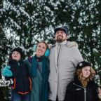 "Photographer Lyndsey Wright's ""Christmas Vacation""-themed photo shoot."