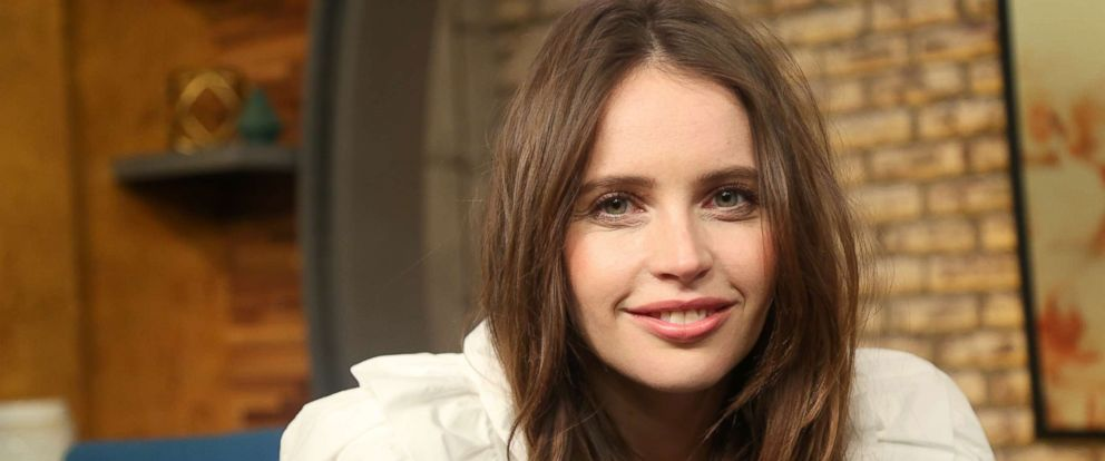 """PHOTO: Felicity Jones appears on """"Popcorn with Peter Travers"""" at ABC News studios in New York City, Dec. 13, 2018."""