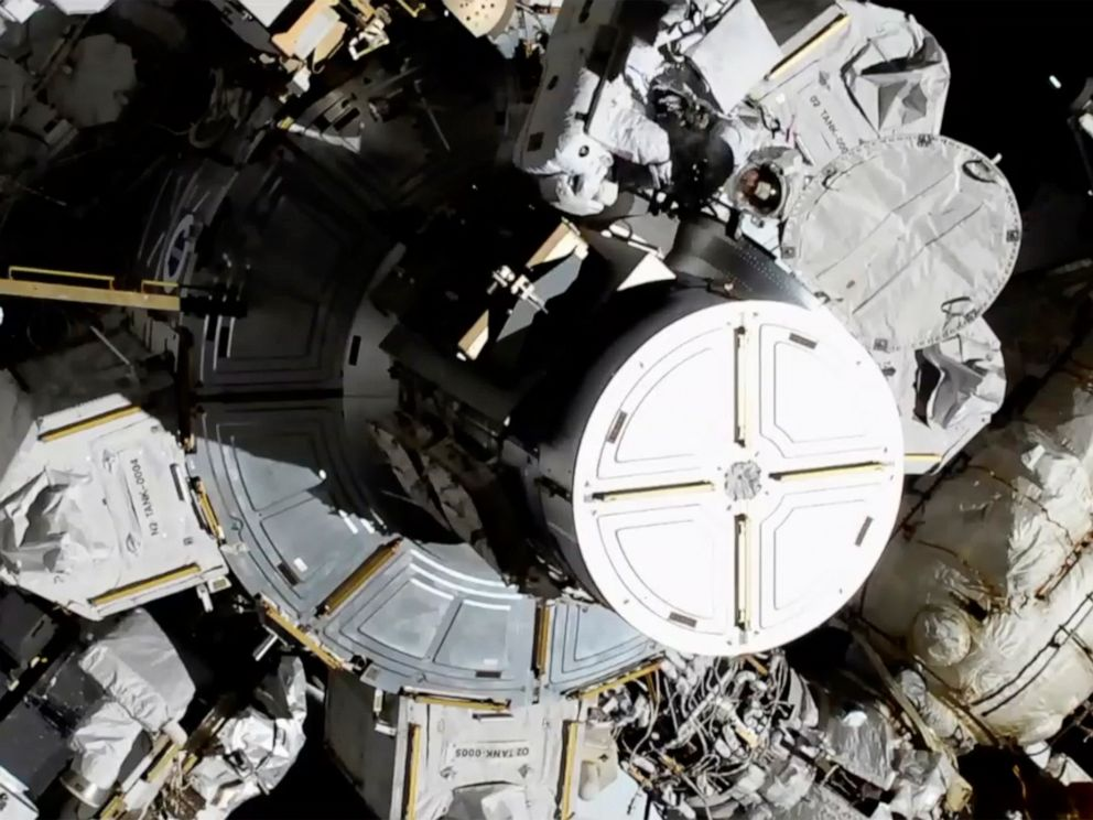 Astronauts make history with 1st-ever all-women spacewalk ...