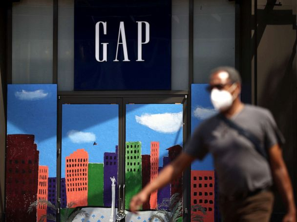 Gap and Banana Republic are closing another 350 stores