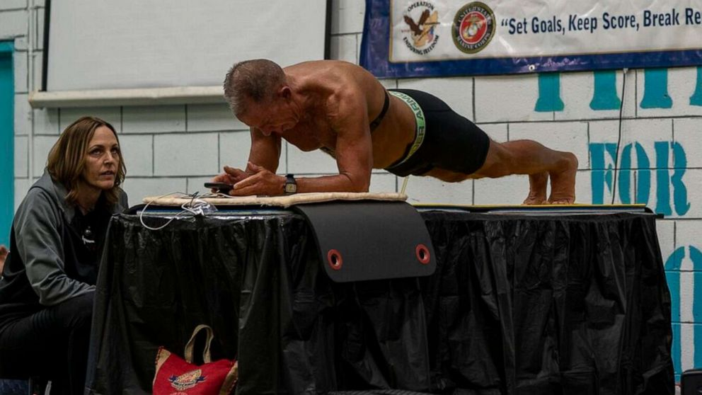 62-year-old man breaks world record with 8-hour plank