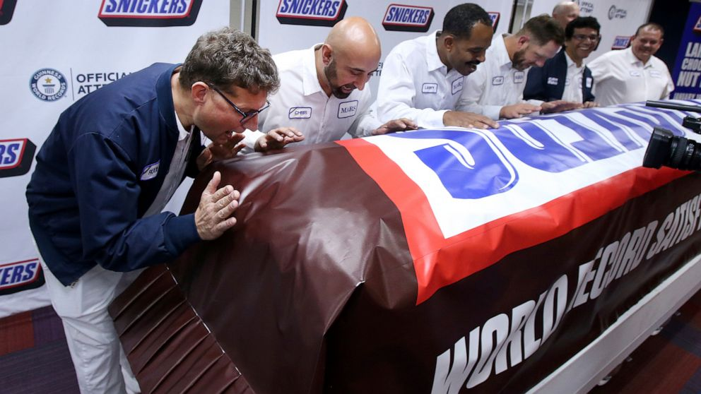 Snickers teases Super Bowl commercial with Guinness World Record candy bar