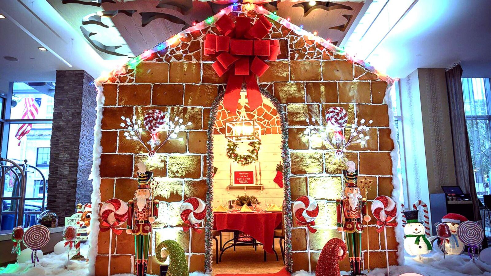 Life Size Gingerbread House Lets Guests Host Sweet Parties Gma