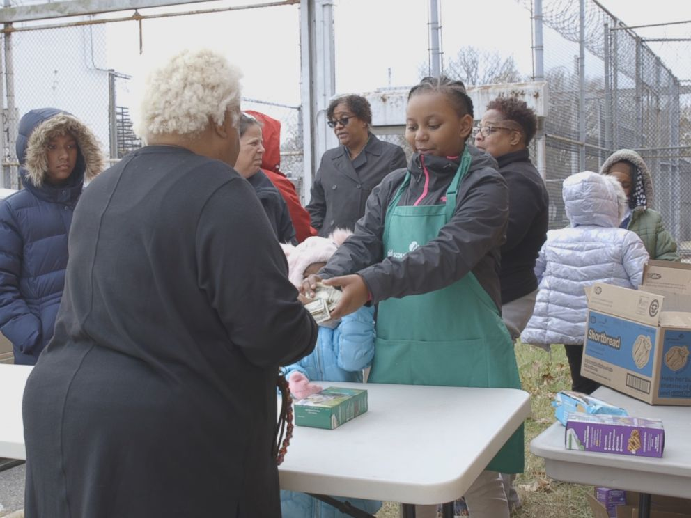 PHOTO: Girl Scouts sell cookies at the Maryland Correctional Institution for Women in Jessup, Md., in December 2018.