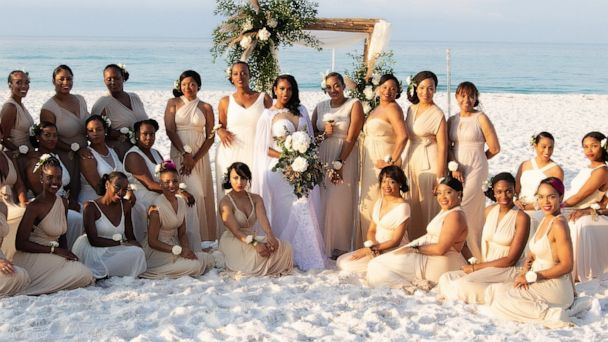 This bride had 34 bridesmaids by her side on her wedding day: 'It was like a dream come true'