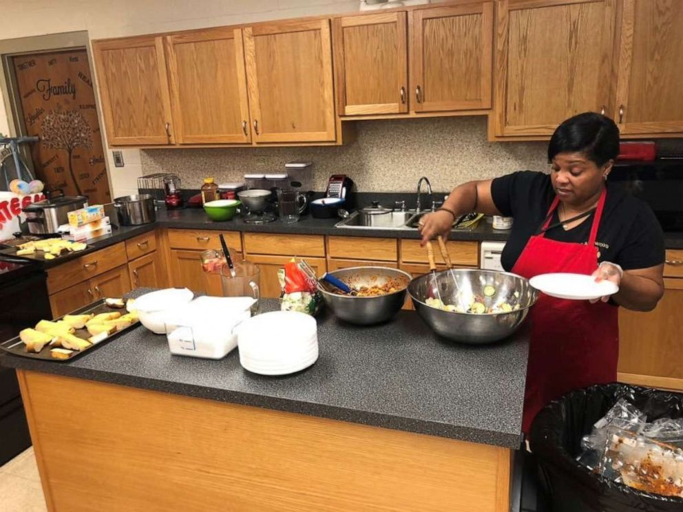 PHOTO: Michelle Lindsey cooks in her classroom at Lakewood High School in Salemburg, North Carolina.