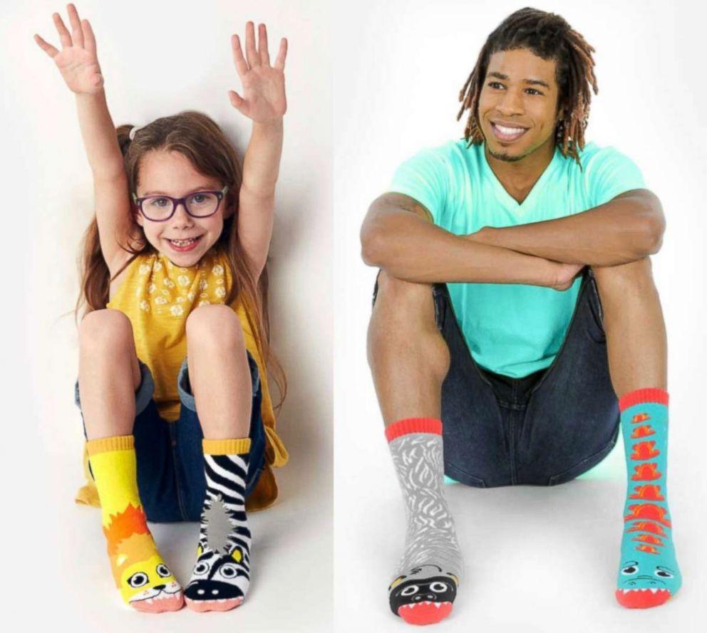 PHOTO: Pals: Mismatched Socks