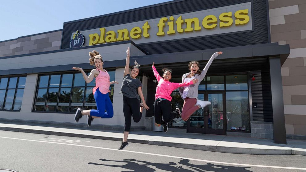 Get in shape this summer: Teens work out for free at Planet