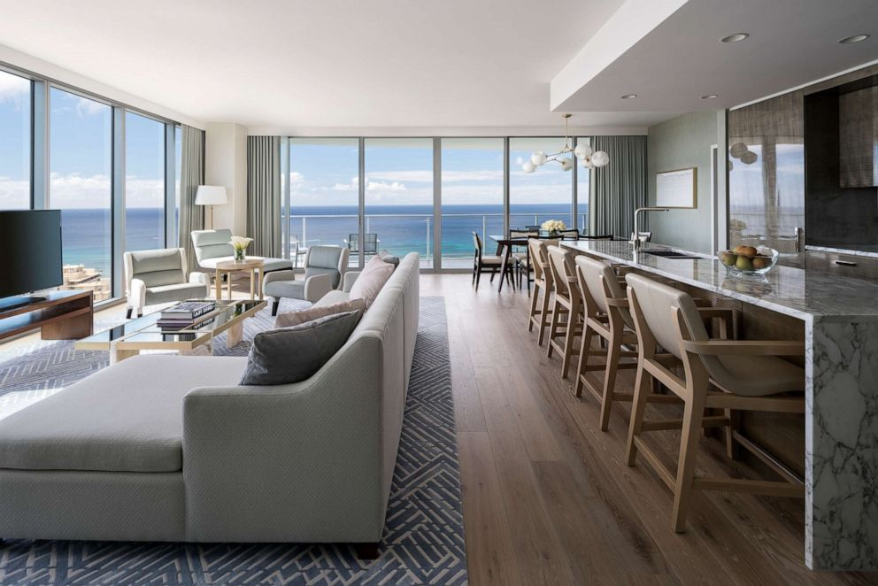 PHOTO: Ritz-Carlton Residences Waikiki Beach
