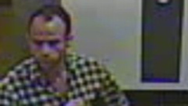 VIDEO: Thief put $150,000 artwork in a bag and walked out of New York City gallery.
